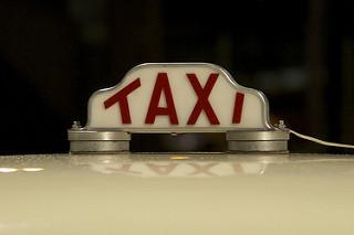 Antiguo cartel de Taxi Brasileño
